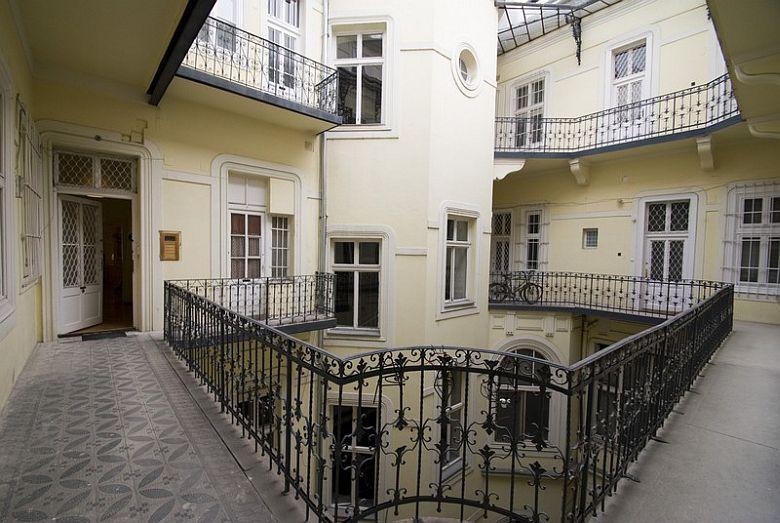 Delightful 5   Budapest Apartments Image
